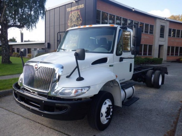 2013-international-4300-durastar-cab-and-chassis-diesel-with-hydraulic-brakes-international-4300-durastar-big-0