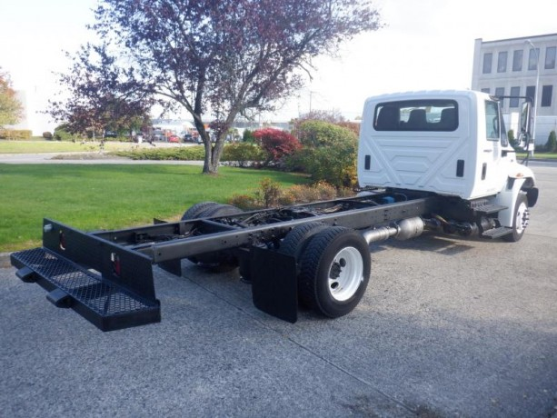 2013-international-4300-durastar-cab-and-chassis-diesel-with-hydraulic-brakes-international-4300-durastar-big-5