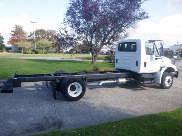 2013-international-4300-durastar-cab-and-chassis-diesel-with-hydraulic-brakes-international-4300-durastar-big-6