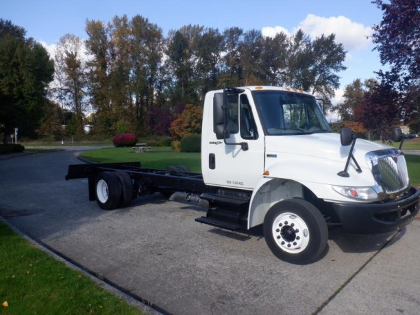 2013-international-4300-durastar-cab-and-chassis-diesel-with-hydraulic-brakes-international-4300-durastar-big-8