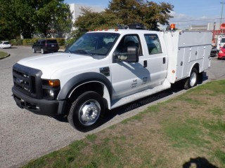 2008 Ford F-550 Crew Cab 2WD DRW with Service Body Ford F-550