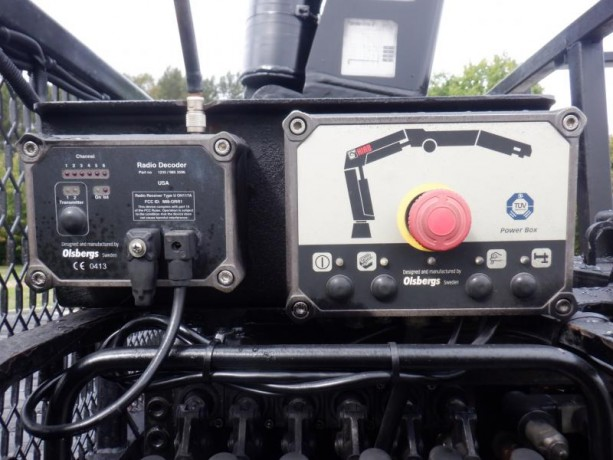 2006-peterbilt-357-flat-deck-with-crane-diesel-air-brakes-peterbilt-357-big-24