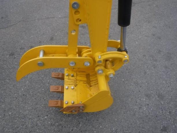 2021-cael-r308bt-mini-excavator-cael-r308bt-big-9